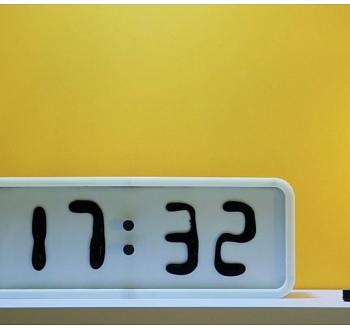 Ferromagnetische Uhr